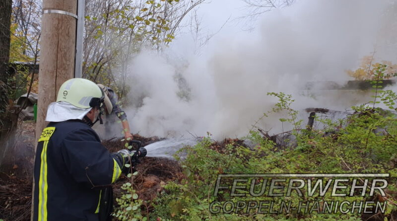 brennender Komposthaufen